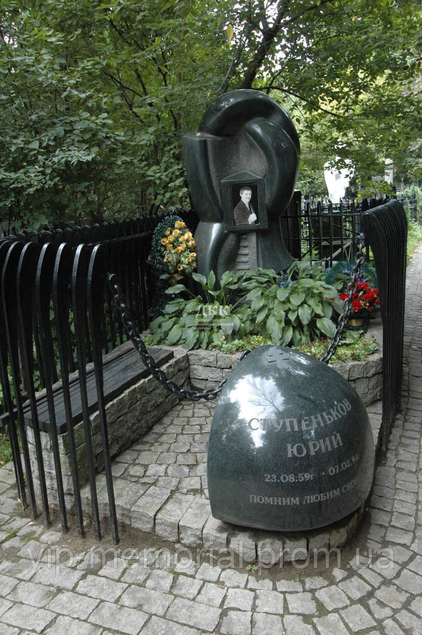 Памятник гранитный Г-776