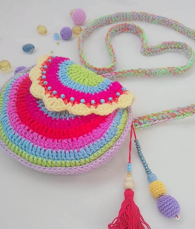 Сумочка на літо плетена