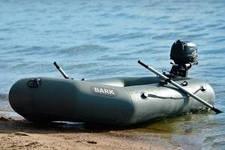Обзор одноместных моторных лодок Барк