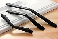 Ручка мебельная черная 96 мм