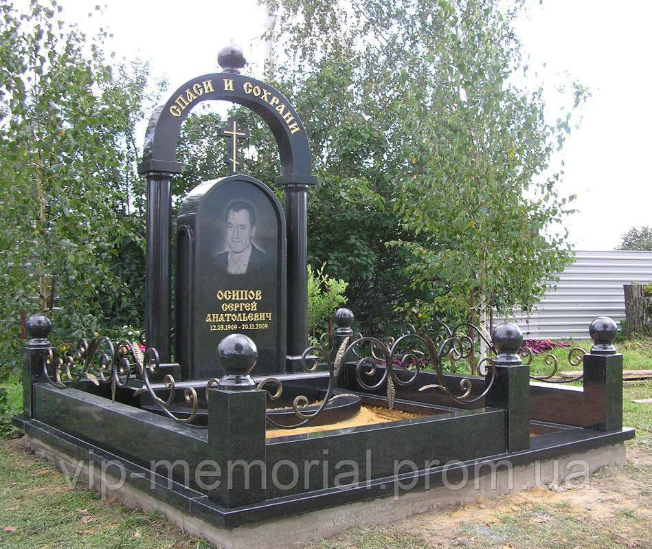 Памятник гранитный Г-817