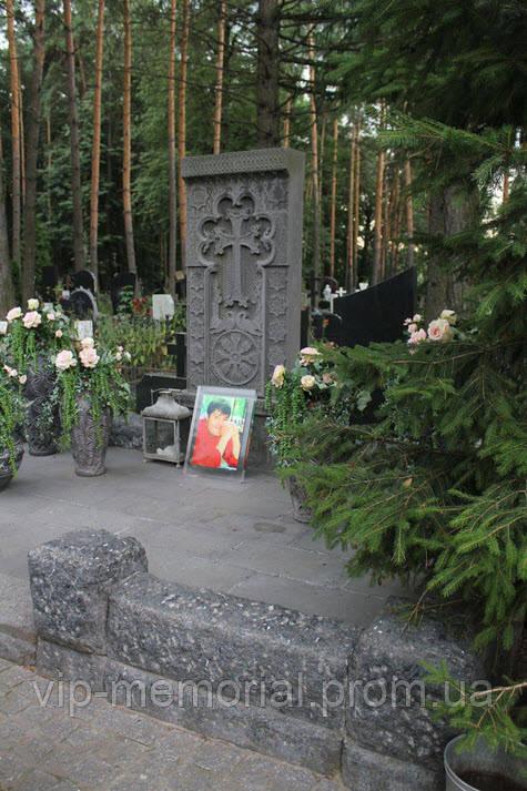Памятник гранитный Г-819