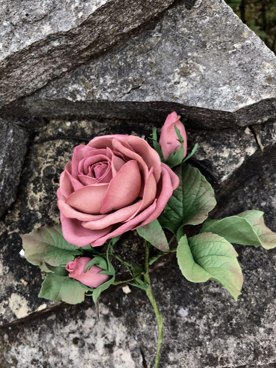 Інтер'єрна троянда з іранського фоамірану 25 см