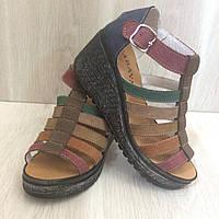 35375151e43958 Женские кожаные босоножки-сабо Belladona Pirella, на черной платформе,36-40р