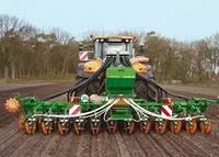 Сеялки для травы: отличия и преимущества оборудования
