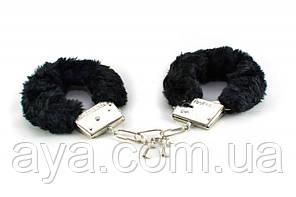 Черные плюшевые наручники Bad Kitty