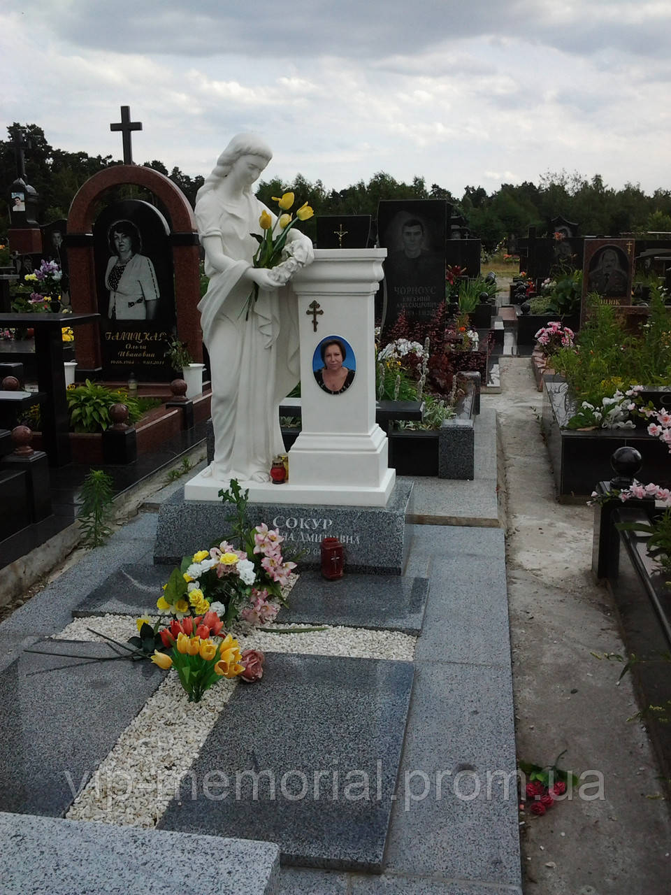 Скульптура на кладбище С-6