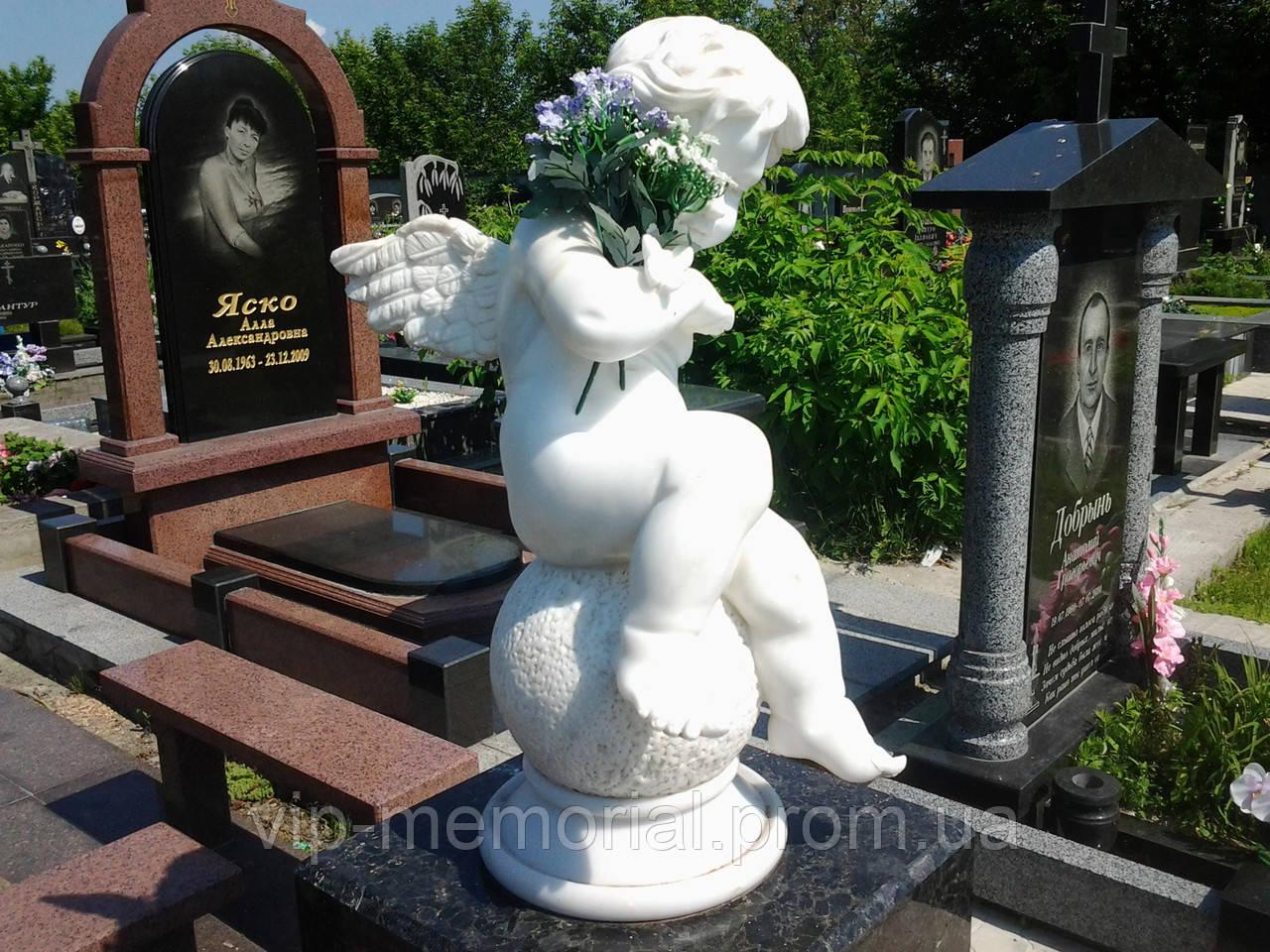 Скульптура на кладбище С-10
