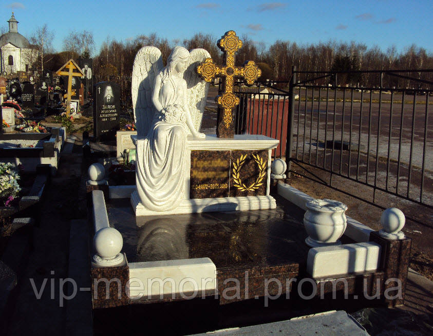 Скульптура на кладбище С-31