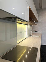 Кухонная столешница из акрила Tristone M-701 Hazel Flow (цвет бежевй, с мраморными разводами)