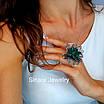 Розкішне Коктейльне срібне кільце з смарагдовими фіанітами, фото 3
