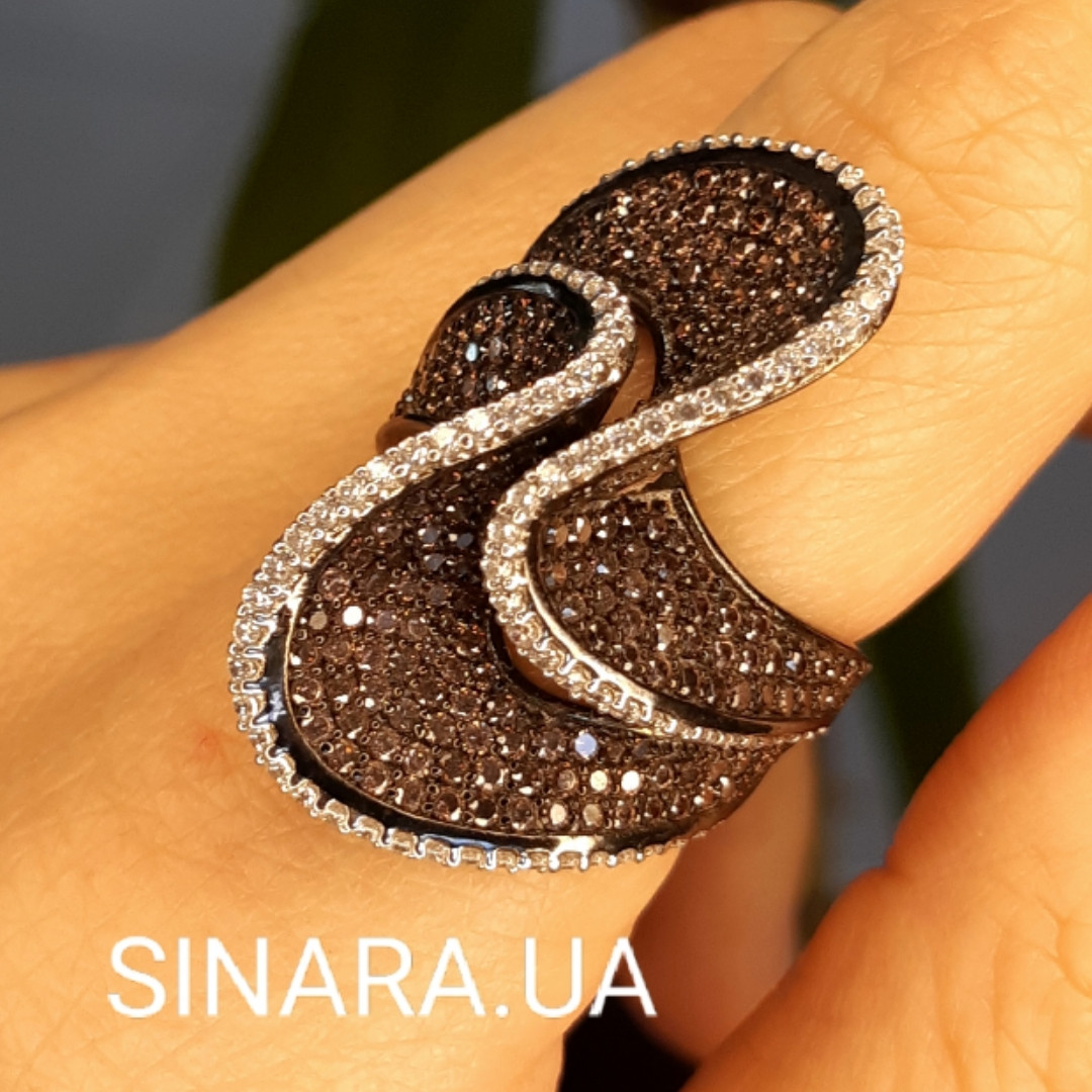 Эксклюзивное серебряное кольцо с коньячными фианитами - Брендовое серебряное Коктейльное кольцо