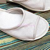 Женские кожаные шлепанцы на утолщенной подошве, цвет белый, фото 3