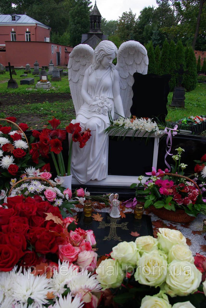 Скульптура на кладбище С-36