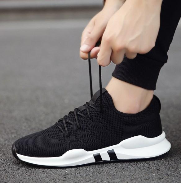 Стильні чоловічі кросівки. Модель 711