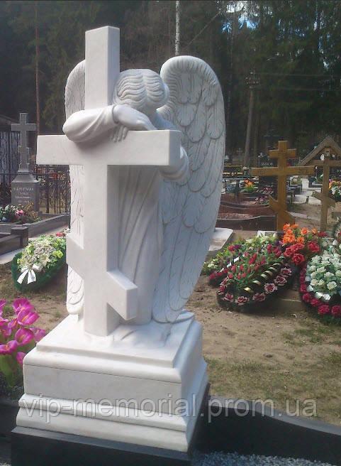Скульптура на кладбище С-46