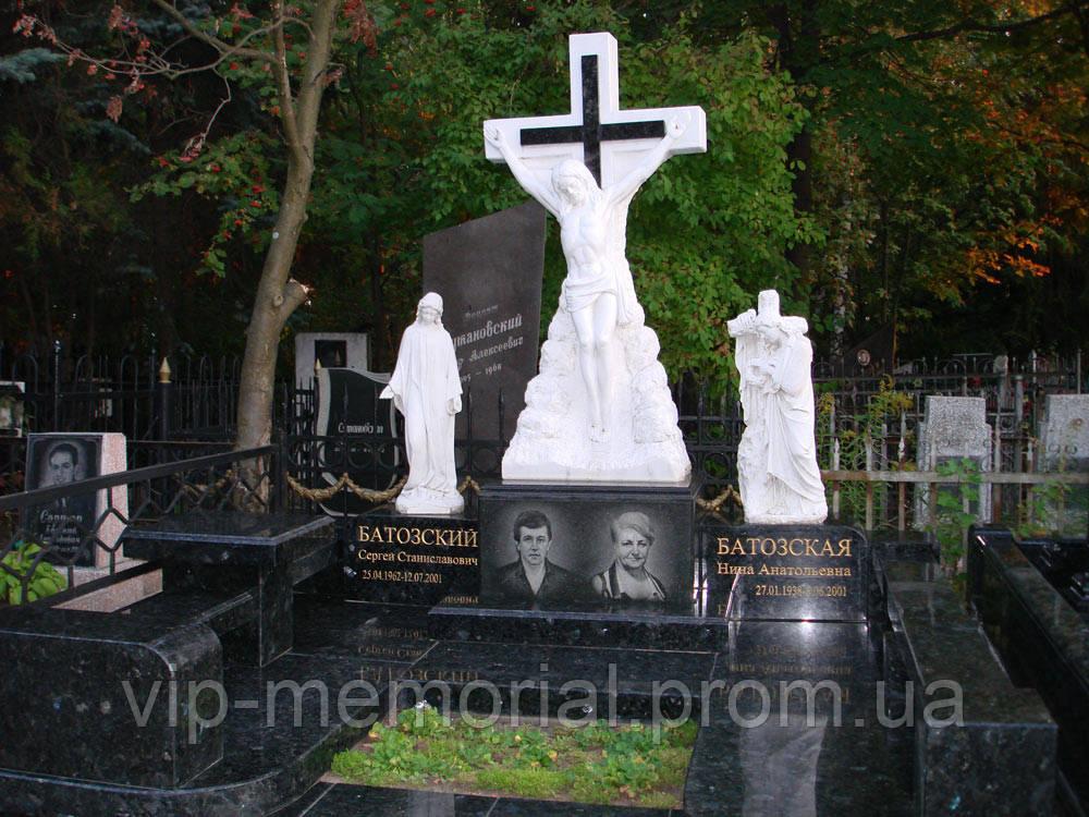 Скульптура на кладбище С-58