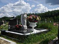 Скульптура на кладбище С-60