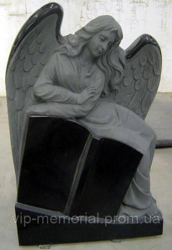 Скульптура на кладбище С-72