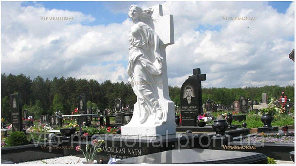 Скульптура на кладбище С-94