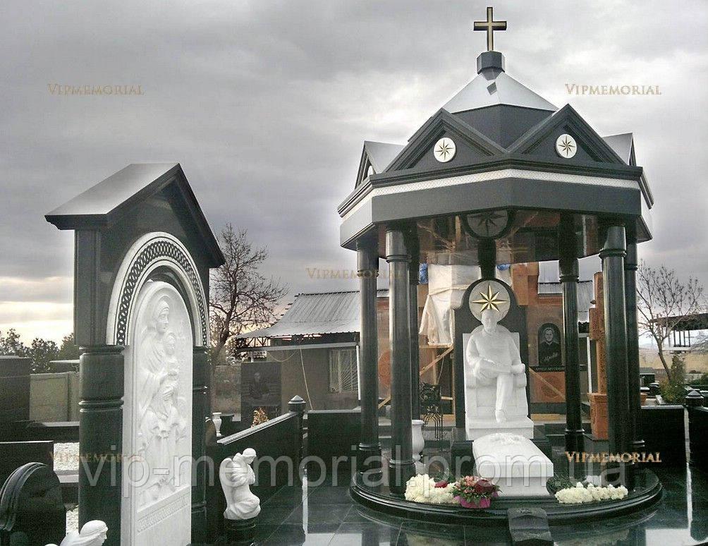 Скульптура на кладбище С-100