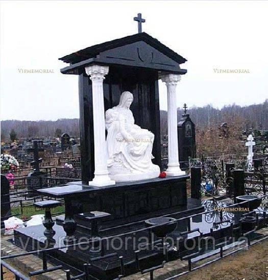 Скульптура на кладбище С-112