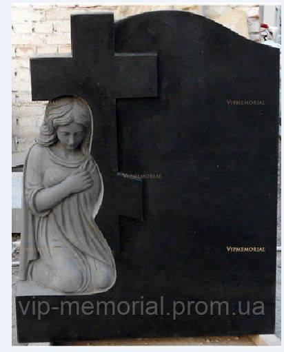Скульптура на кладбище С-128