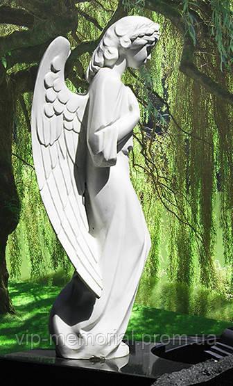 Скульптура на кладбище С-154
