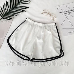 Женские летние шорты белого цвета