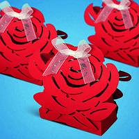 Бонбоньерка на свадьбу в виде розы
