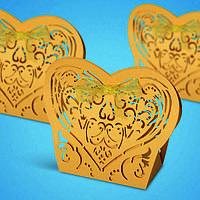 Бонбоньерка на свадьбу в виде кружывного сердца