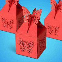 Бонбоньерка на свадьбу в виде коробочки с бабочками в красных тонах (арт. ZH-070)