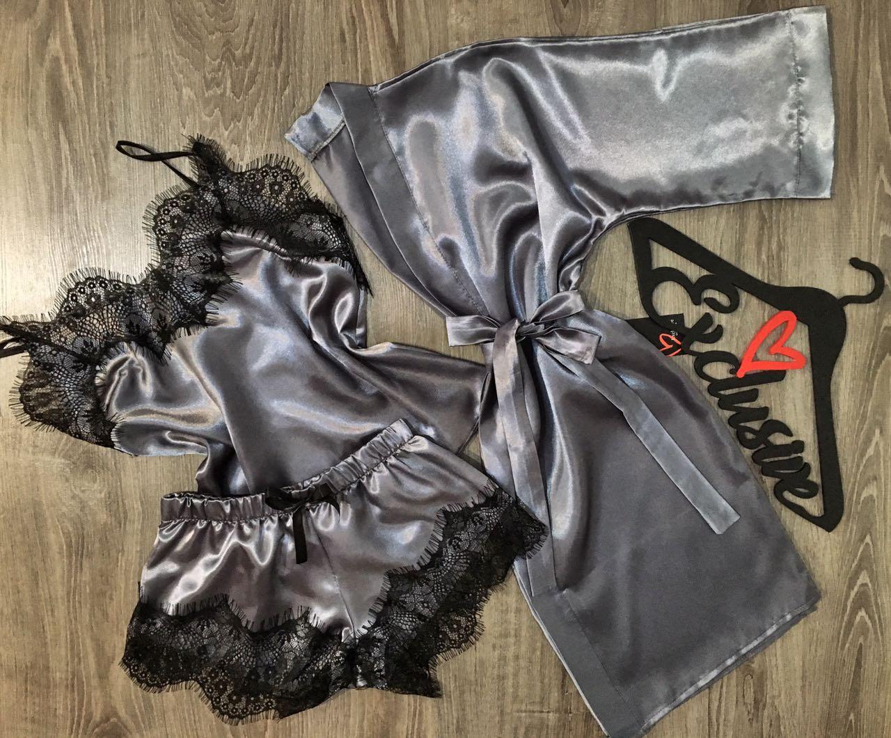 Комплект домашней одежды халат+майка+шорты с кружевом.