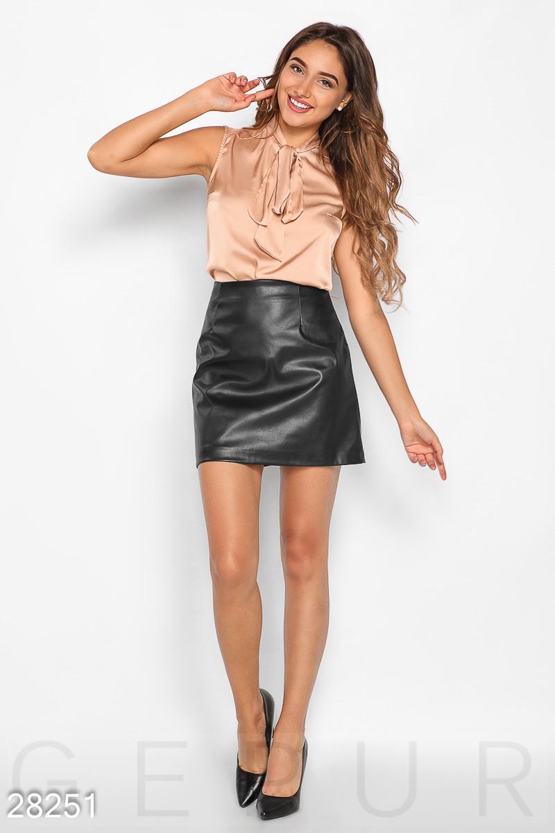 Короткая юбка трапеция из эко-кожи черная