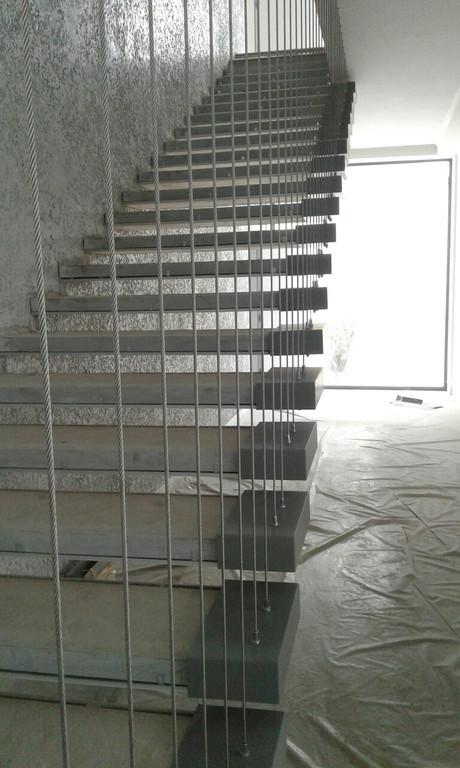 лестничный пролет с вертикальной натяжкой, Одесса 2019