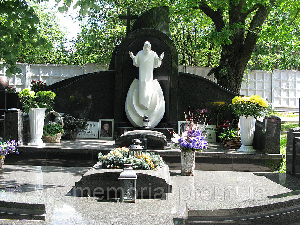 Памятник гранитный Г-99