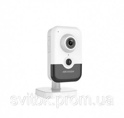 IP видеокамера Hikvision DS-2CD2423G0-IW (2.8 мм)