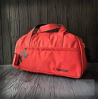 Недорогая спортивная сумка Reebok UFC красного цвета