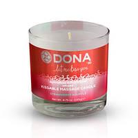 Массажная свеча DONA Kissable Massage Candle Strawberry Souffle (135 мл)