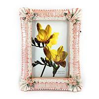 Красивая рамка для фотографий из гипса с цветами