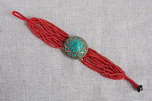 Этнический браслет из красного бисера и бирюзы