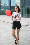 Женский модный костюм: футболка с принтами и шорты с поясом (в расцветках), фото 8