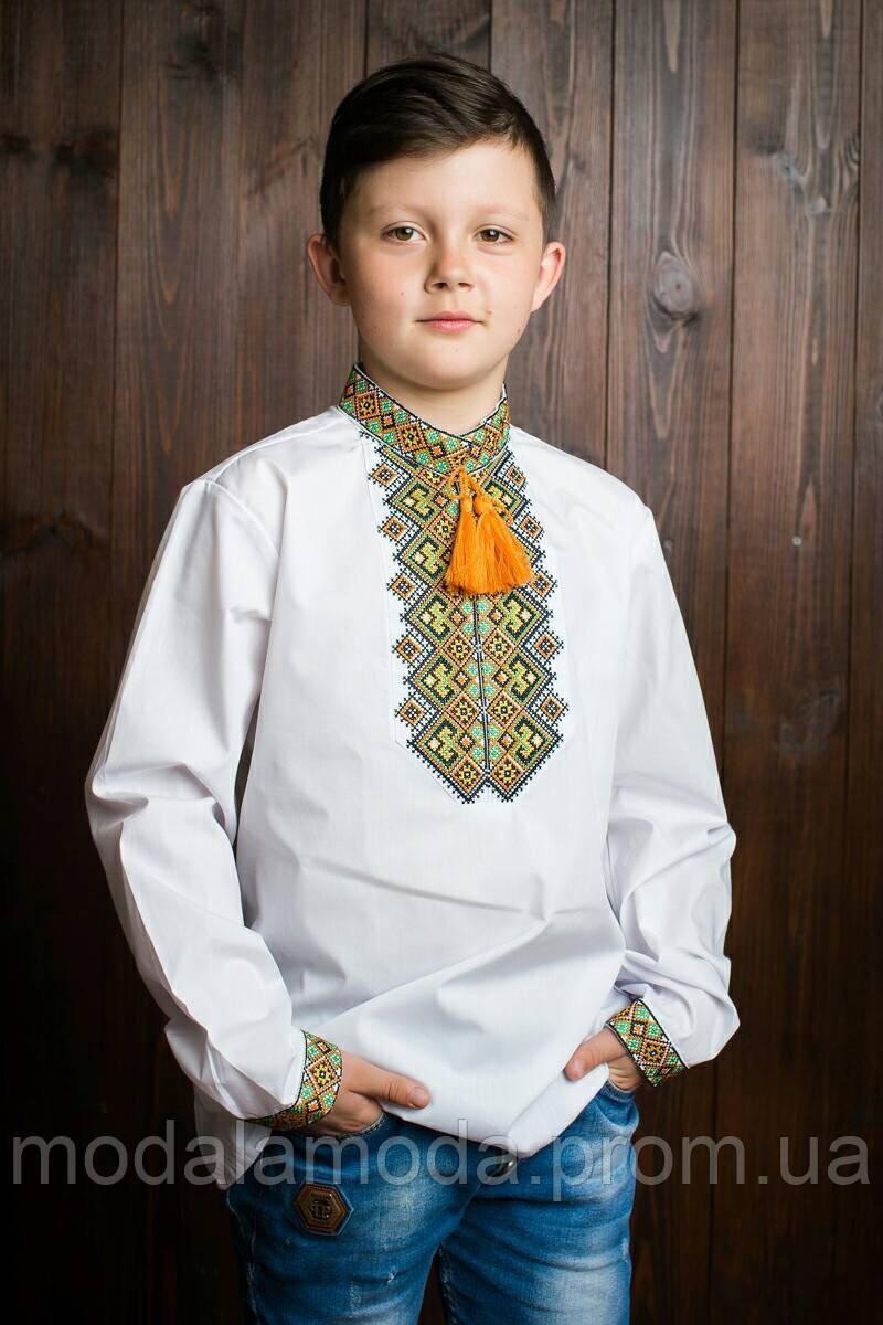 Вышиванка с длинным рукавом для мальчика с бежевым узором