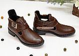 Туфли кожаные на низком ходу, декорированы ремешком. Цвет коричневый, фото 3