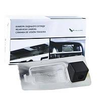 Штатная камера заднего вида Falcon SC28-HCCD. Mazda 3 new