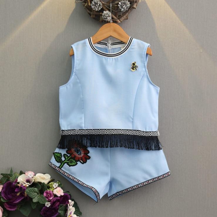 Нарядный летний костюм  на девочку футболка+шорты  3-7 лет голубой с бахромой