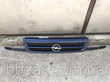Решетка  Opel Astra F ( прямая )  GM 90 414 156