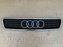 Решетка  Audi A-4 1998 р-в  8D0  853 651 J
