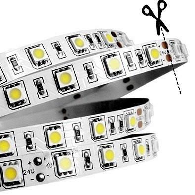 На фото указано место, по которому необходимо разрезать светодиодную ЛЕД LED-ленту