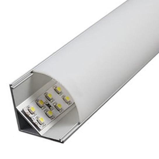 На фото показана светодиодная ЛЕД LED-лента, наклеенная на алюминиевый профиль